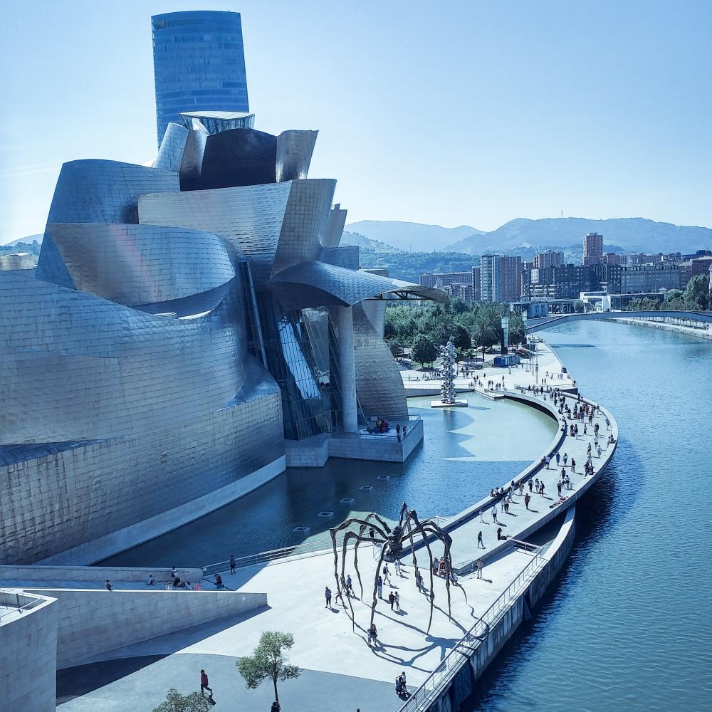 Guggenheim_Bilbao_3jpg
